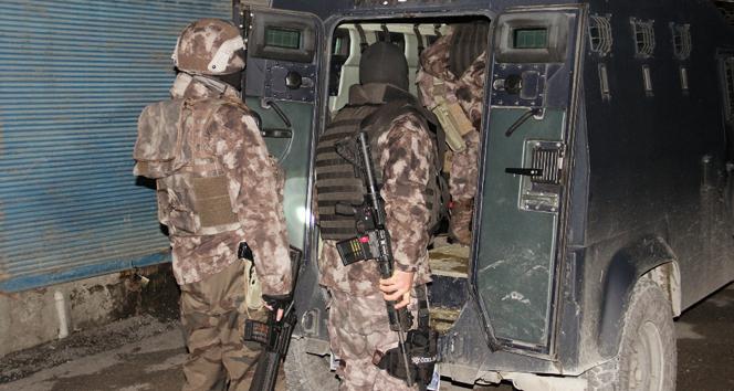 Adana'da bin polisle dev operasyon