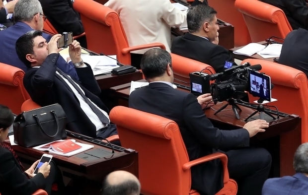 Meclis'ten canlı yayını 1 milyon kişi izledi