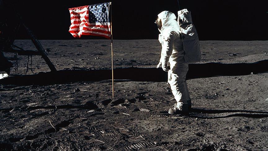 Ay'a ayak basan son astronot öldü!