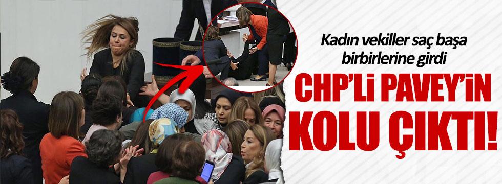 Kadın vekiller Meclis'te saç başa birbirine girdi