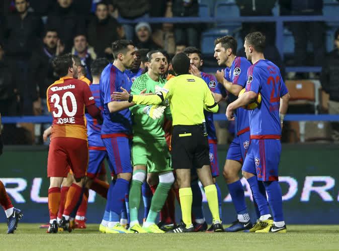 Kardemir Karabükspor 2-1 Galatasaray / Maç özeti