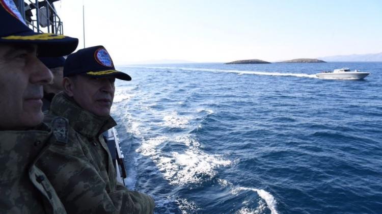 Kardak 'ziyareti' Yunan basını böyle duyurdu