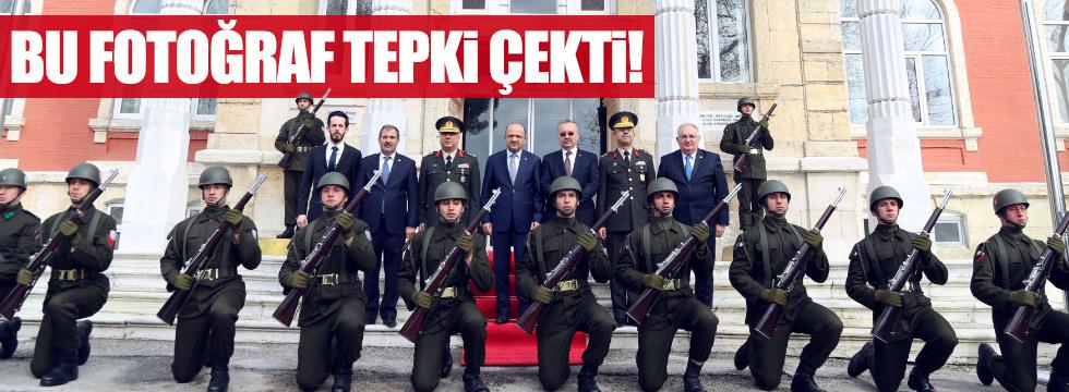Edirne'de askere diz çöktürdüler!