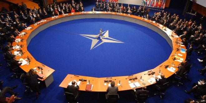 NATO'dan, Irak' üs kararı