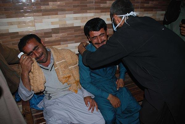Pakistan'da türbeye saldırı: 72 ölü