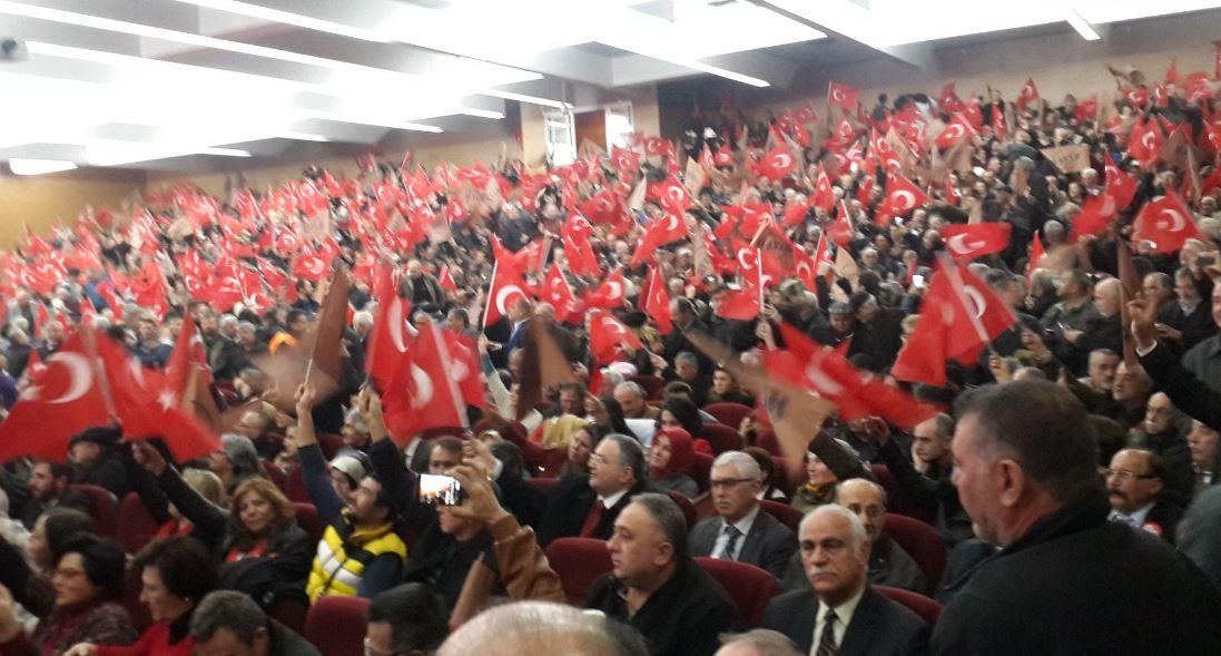 """""""Mustafa Kemal'in"""" askerleriyiz sesleri"""