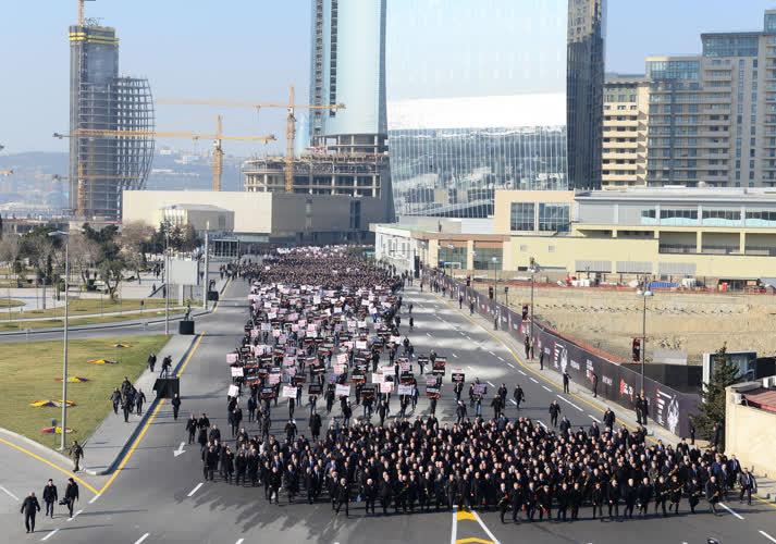 Azerbaycan'da on binler Hocalı için yürüdü