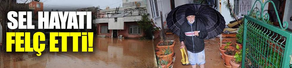 Mersin'de sel hayatı felç etti!
