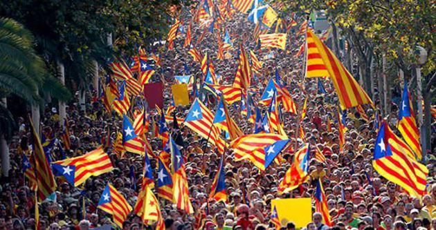 Katalanlar, ayrılık için referanduma hazırlanıyor