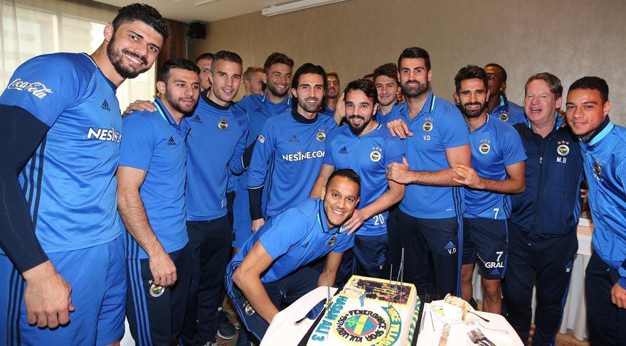 Fenerbahçeli futbolcu dolandırıldı!