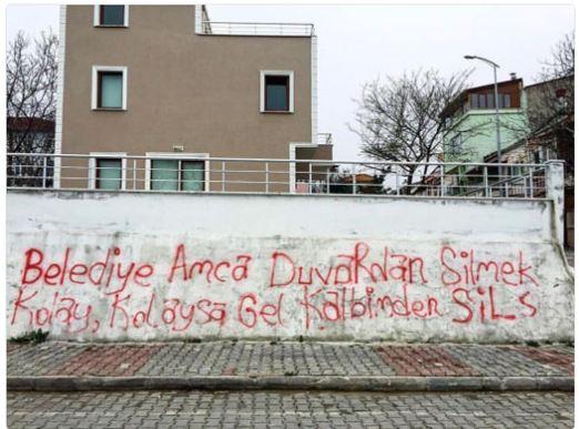 Edremit Belediyesi'nden o duvar yazısına cevap!