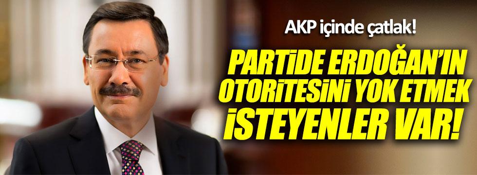 Melih Gökçek: AKP içinde çatlak var