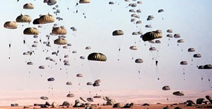 ABD ve PYD, Rakka'ya paraşütle asker indirdi