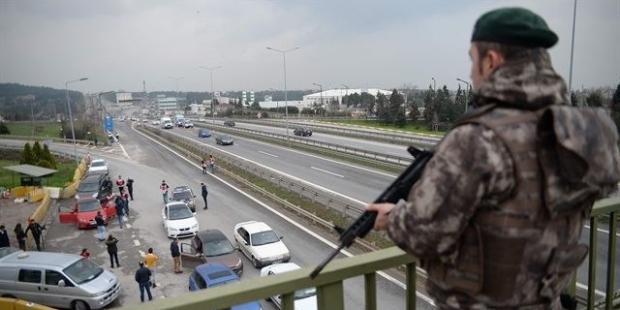 İstanbul'da giriş çıkışlar tutuldu