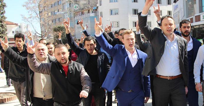Ümit Özdağ'ın bulunduğu gazeteye provokasyon girişimi