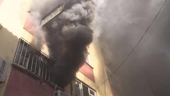 Karaköy'de yangın