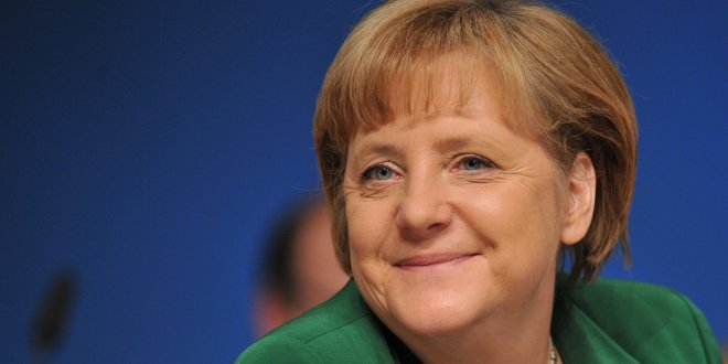 Merkel'in yüzü gülüyor!