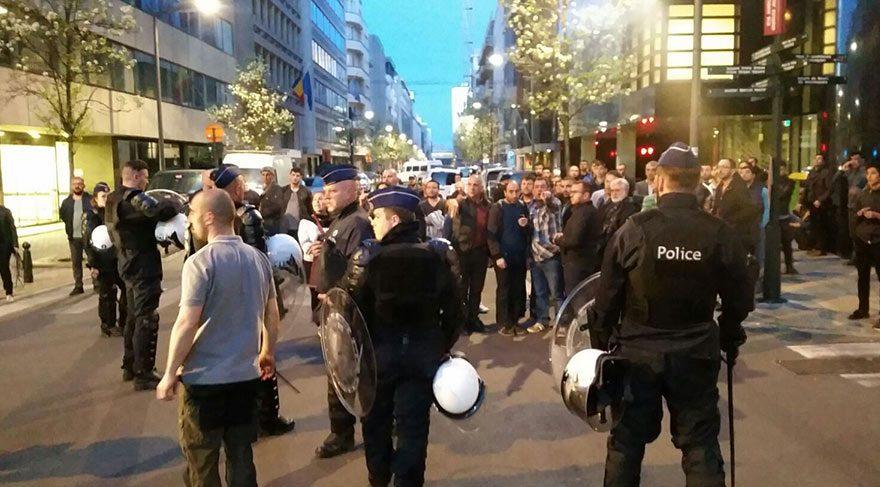 Referandum kavgası! 3 kişi bıçaklandı