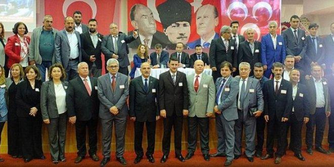 MHP Kuşadası İlçe Kongresinde AKP'li Başkanlar