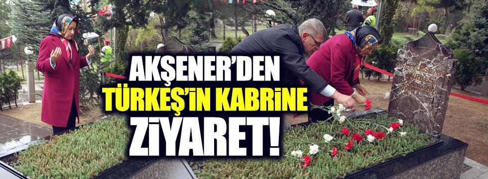 Akşener'den, Türkeş'in kabrine ziyaret