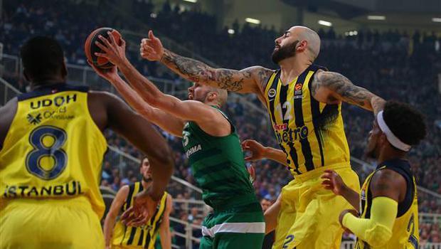 Fenerbahçe'den Yunanistan'da tarihi zafer
