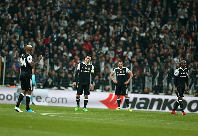 Beşiktaş UEFA'Ya alkışlarla veda etti