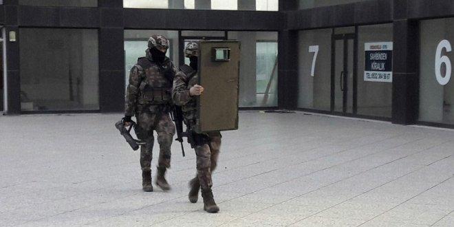 İstanbul'da lüks siteye şafak operasyonu