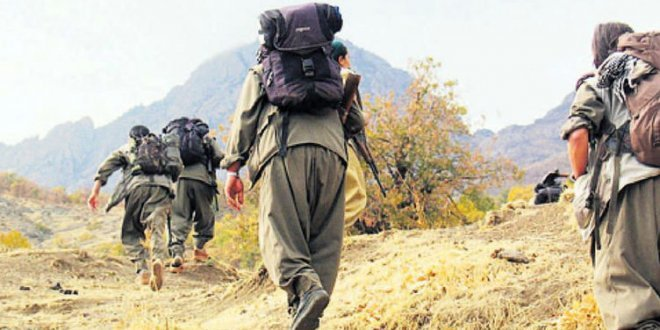 PKK'lı teröristler silahları camiye gizlemiş