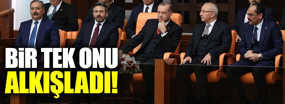 Erdoğan TBMM'de bir tek Bahçeli'yi alkışladı!