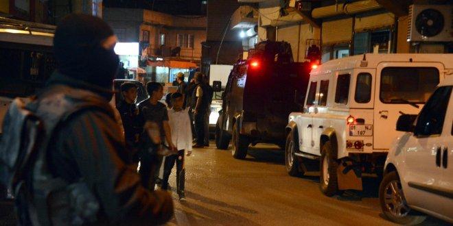 1000 polisle gece baskını