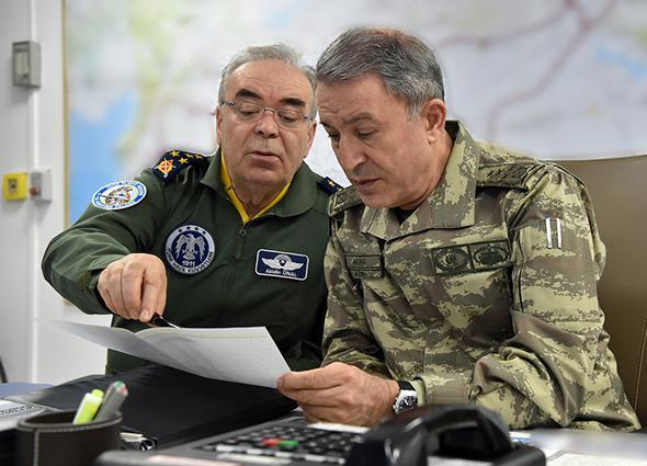TSK, Sincar'ı bombaladı: Akar operasyonu bizzat yönetti