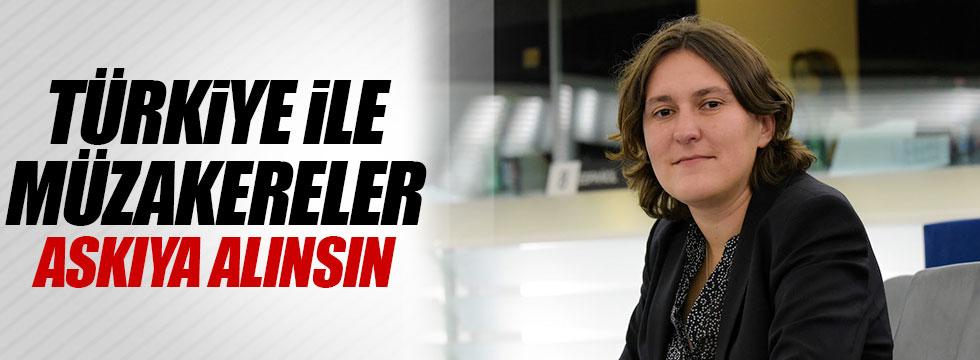 """Piri: """"Türkiye ile müzakereler askıya alınsın"""""""