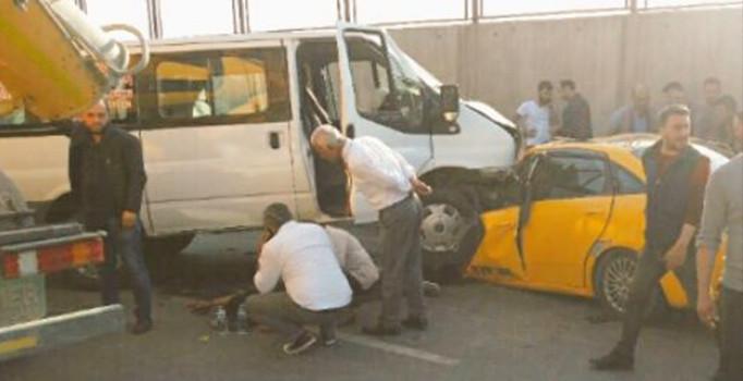 Maltepe'de korkunç kaza! 2 ölü, 3 yaralı