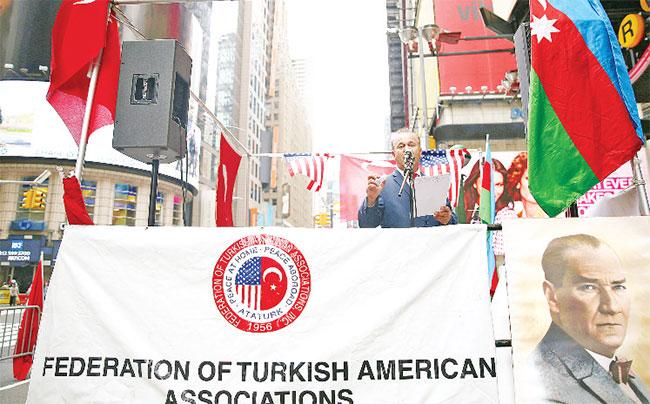 New York'ta Ermeni iddialarını protesto!