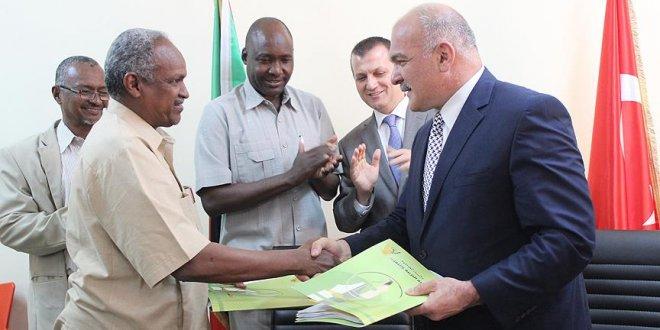 Sudan'da FETÖ okulları Maarif Vakfı'na teslim edildi