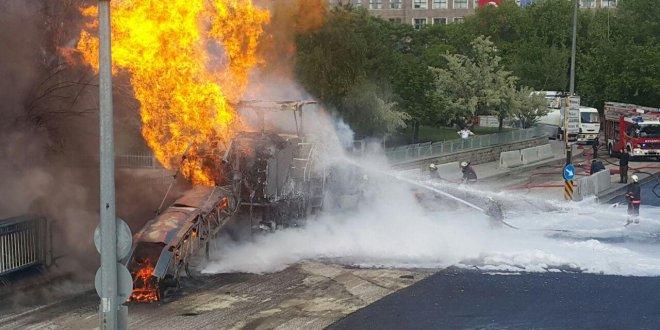 Ankara'da adliye önünde yangın paniği!
