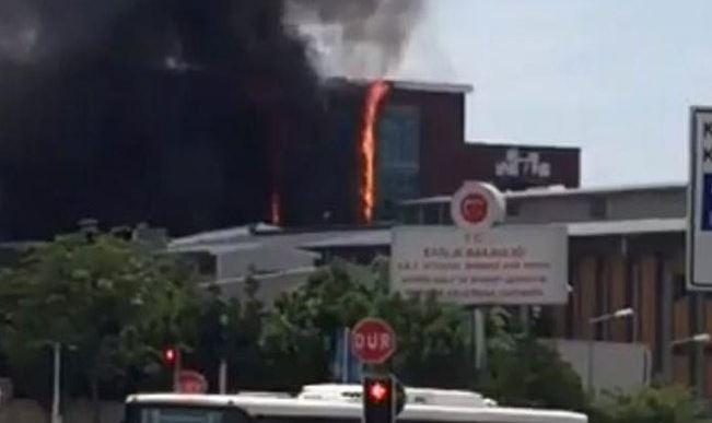 İstanbul'da hastane inşaatında yangın