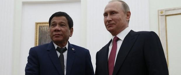 Sıkıyönetim ilan edip Putin'den silah istedi
