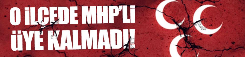 Antalya Muratpaşa'da MHP'li üye kalmadı!