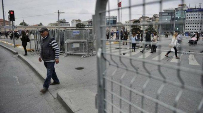 Gezi Parkı giriş-çıkışları kapatıldı