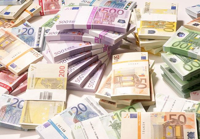 Euro tüm zamanların rekorunu kırdı