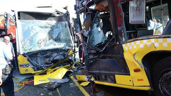 Metrobüs kazasından acı haber!