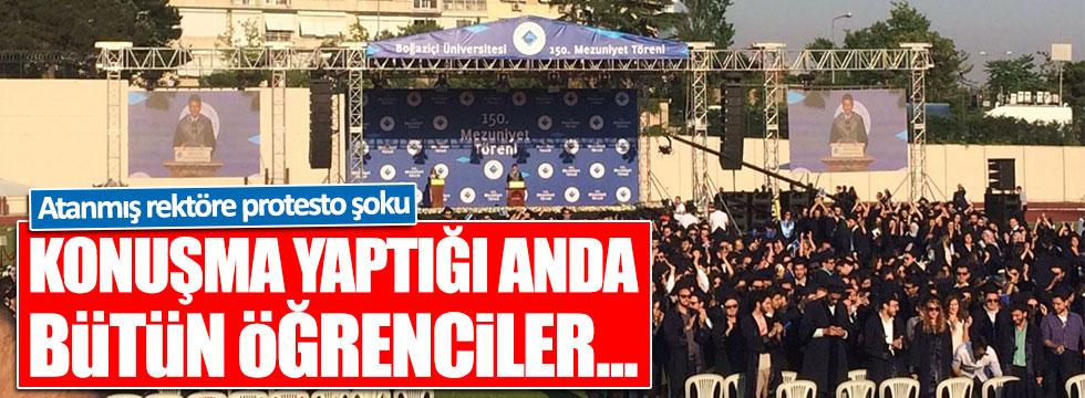 Boğaziçi Üniversitesi'nde rektöre şok tepki!