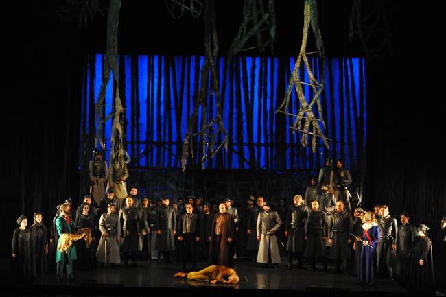 """Kapanış """"Faust"""" operası ile"""