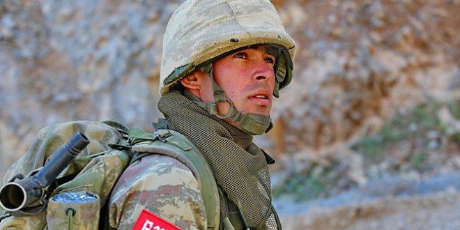 Kahraman Mehmetçik Dağlıca'da teröriste korku saldı