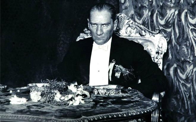 Atatürk'ün tarih görüşü (1)