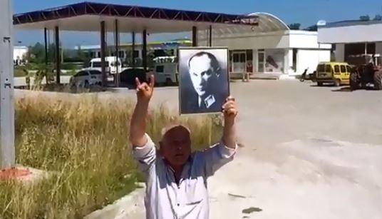 """""""MHP'liyim, ülkeyi kurtarın"""""""