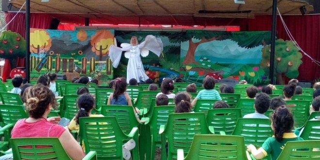 """""""Mutlu Çocuklar Bahçesi"""" Açık Hava Sahnesinde!"""