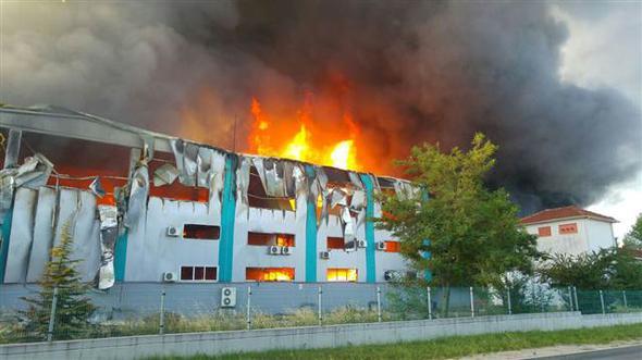 Matbaa fabrikasında yangın