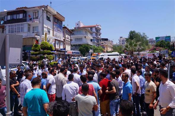 İlçe karıştı avukatlar işhanına sığındı